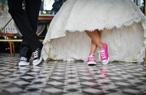 """婚姻有时是一把""""照妖镜"""",照出我们内在无法接受的自己"""