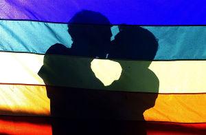 心理解码 | 同性恋的形成根源及家教预防策略