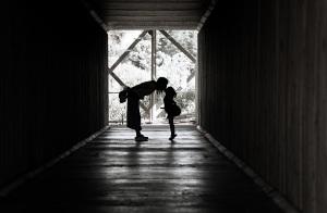 做父母你合格吗?打造权威型高情商父母攻略