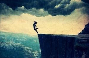 梦见从高楼、悬崖掉下去,暴露了什么样的潜意识?
