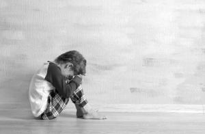 离异家庭对父母三种记恨方式:自卑,叛逆,偏激