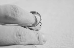 婚姻失语症:比争吵更可怕的是,无话可说