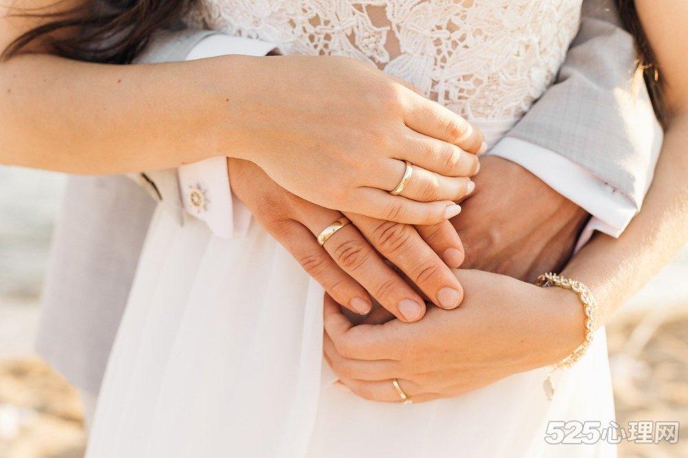 婚姻的真相:爱自己,和谁结婚都一样