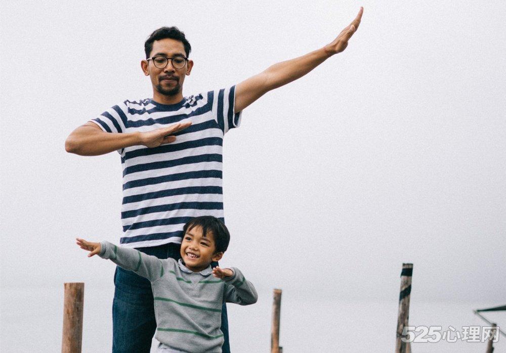 请鼓励你的孩子,做一个幸福的普通人!