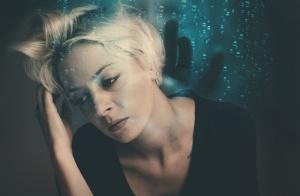 """总是感到紧张和焦虑?你可能患上了""""情绪炎症"""""""